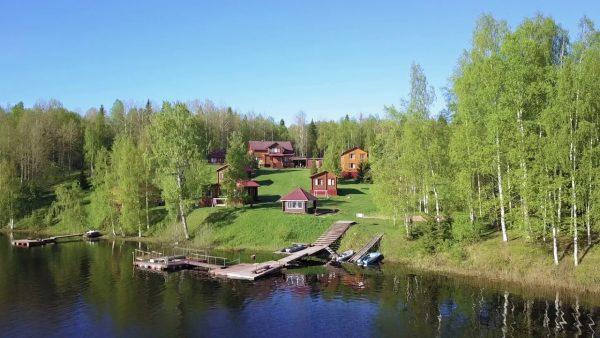 Замечательный отдых у озера в Карелии
